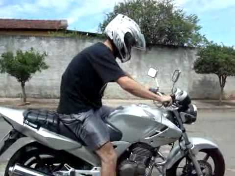 image Andando de moto quase pelada 1