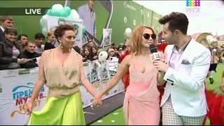 "Download Жанна Фриске на красной дорожке ""Премии Муз-ТВ 2012"" Mp3 and Videos"