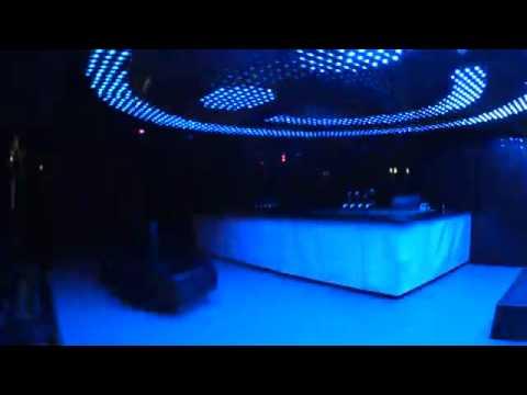 Ночной клуб Smack в светодиодном оформлении