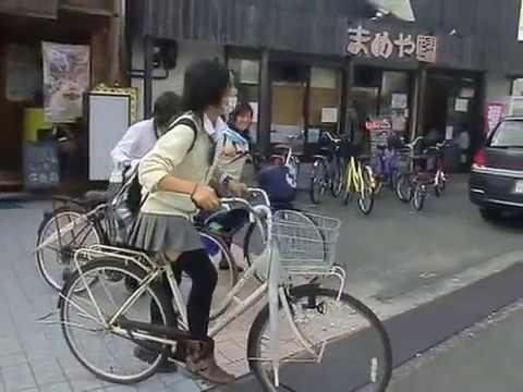 可愛い女子高校生 美少女自転車 お見送り また来てね