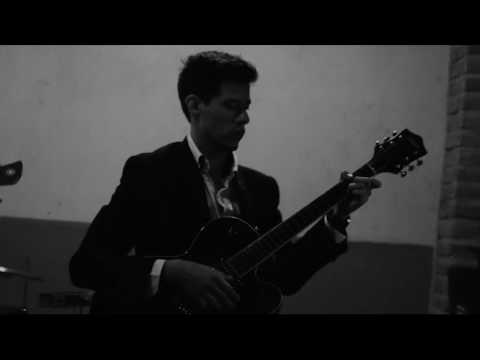 Fly Me to the Moon - The White Sound (Frank Sinatra Cover)