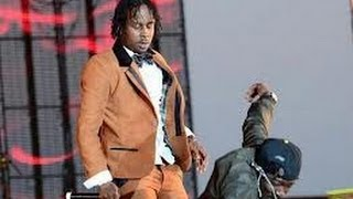 Popcaan Beats up Black Ryno at Sting 2012 !!!!!!