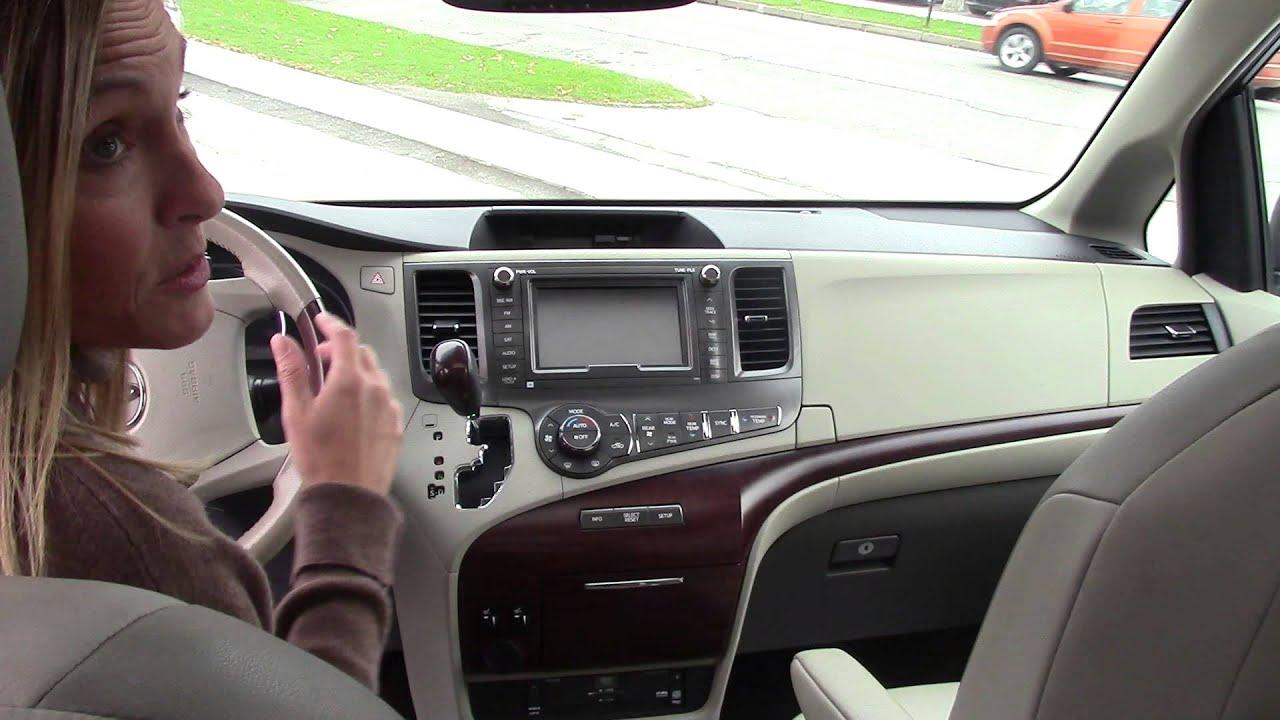 passenger com console interior automotive minivan center sienna photos toyota base photo