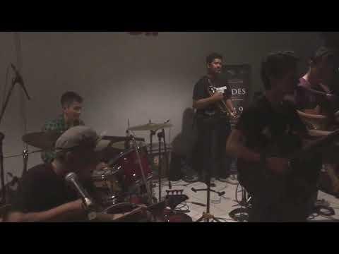 Di Atas Meja (LIVE) - Payung Teduh (New Formation)
