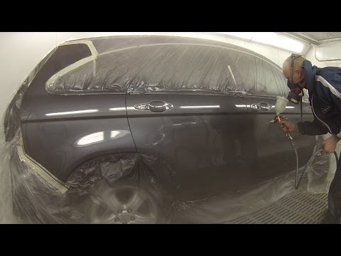 How to Spray Paint a Car Basecoat Clear Coat