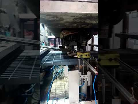 Steel grating machine.Petek galvanizli metal platform ızgara