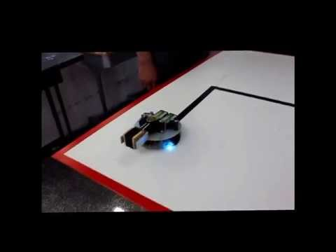 Transport Robot made In Gaza :الربوت الناقل كلية تدريب غزة