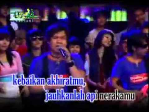 Wali Band   Status Hamba Live + Lyrics   YouTube