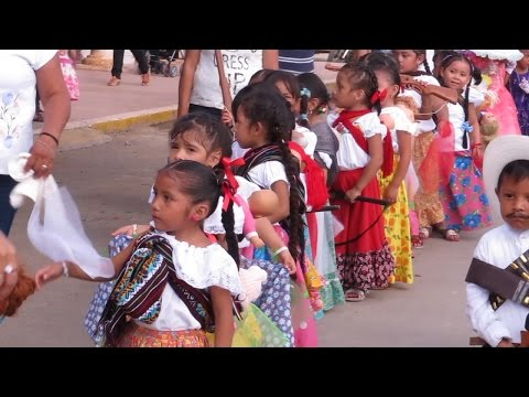 Colorido Desfile Revolucionario En Peto Youtube