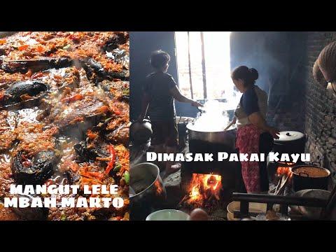 makan-di-dapur-mangut-lele-mbah-marto-kuliner-legendaris-yogjakarta
