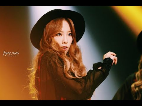 Taeyeon and her ear piece
