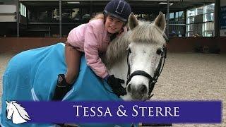 Tessa krijgt haar pony Sterre * Hart voor Paarden *