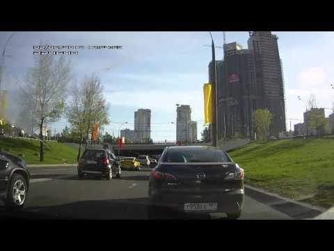 Происшествия и Аварии: 2012-05-02 Желтый Porsche в Москве (Нижние Мневники)