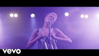 Смотреть клип Elodie - Amore Avrai