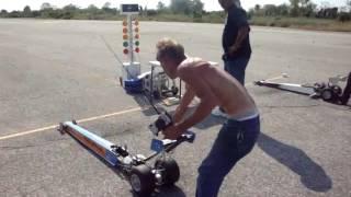 Mengagumkan! Drag Racing mobil remot kontrol  Lihat videonya!