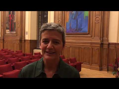 Reaction of EU Commissioner Vestager after receiving an honorary doctorate