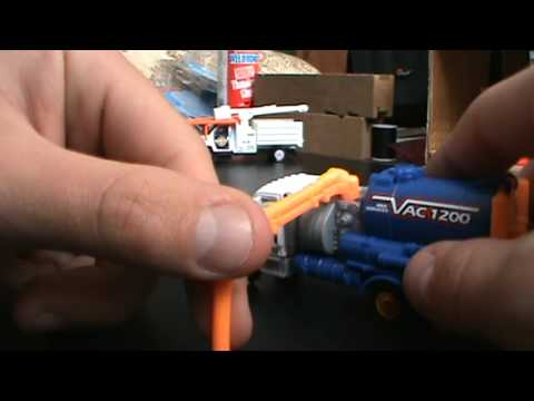 Matchbox Real Working Rigs: Freightliner Business Class SEWER VAC TRUCK