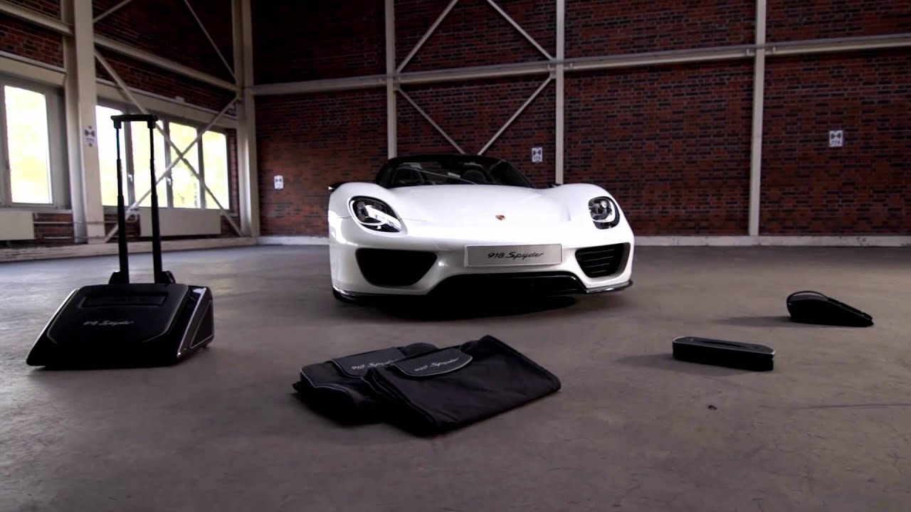 travel in style in the porsche 918 spyder luggage set youtube. Black Bedroom Furniture Sets. Home Design Ideas