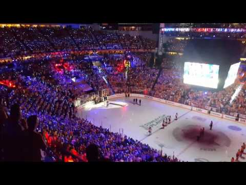 Kelly Clarkson sings National Anthem for WCF Game 4