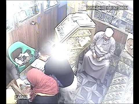 صورة واضحة لوائل المسلمي أثناء سرقة محل ذهب بالدقهلية