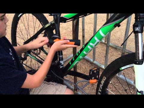 how to use an onguard u lock with a 29 bike real world youtube. Black Bedroom Furniture Sets. Home Design Ideas