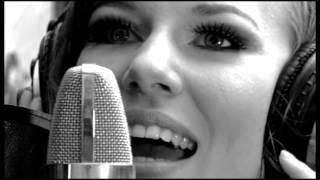 Musikvideointerpretin/text: reva gadhöfergitarrist: sebastian kassingmusic producer: chri...