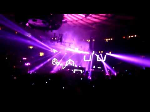 Swedish House Mafia - Live at MSG - NYC - HD - Dec 16 2011