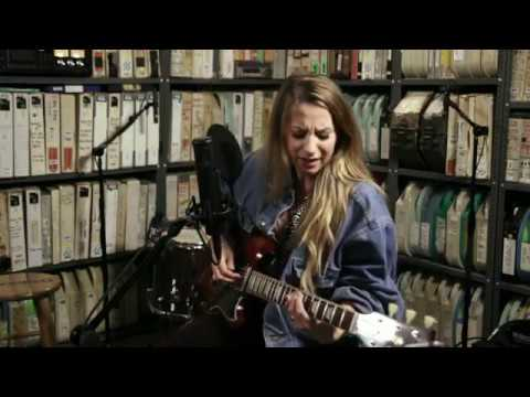 Download Caitlyn Smith at Paste Studio NYC live from The Manhattan Center Mp4 baru