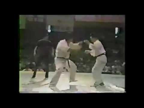 Takashi Azuma vs Tatsuo Nakamura (1977)