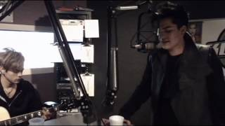 Adam Lambert - Better Than I Know Myself (Acoustic live at KC101)