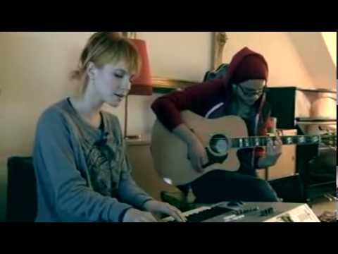 The only exception-Paramore-live acoustic(Jeremy,Taylor and Hayley).avi