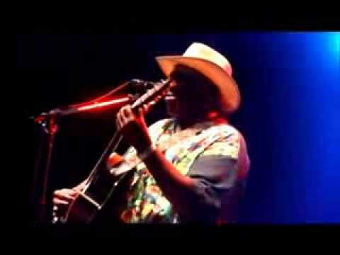 "Taj Mahal ""Done Changed My Way Of Living"" Live Performance"