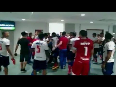 Briga e Porrada  no Jogo - Bahia 0 x 1 Santa Cruz - Copa do Nordeste - 17/04/2016