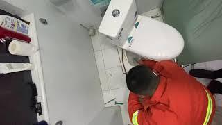 중국에서 막힌 변기 뚫기