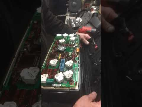 How to repair the low air warning buzzer on Volvo VNL ( part 1)