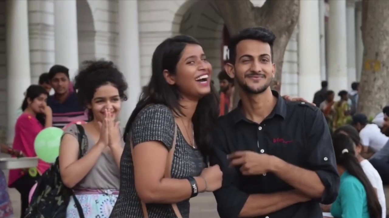 VIRAL KISSING PRANKS IN INDIA BUSTED!!
