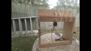 Recycled wood router table. DIY router table for a palm router