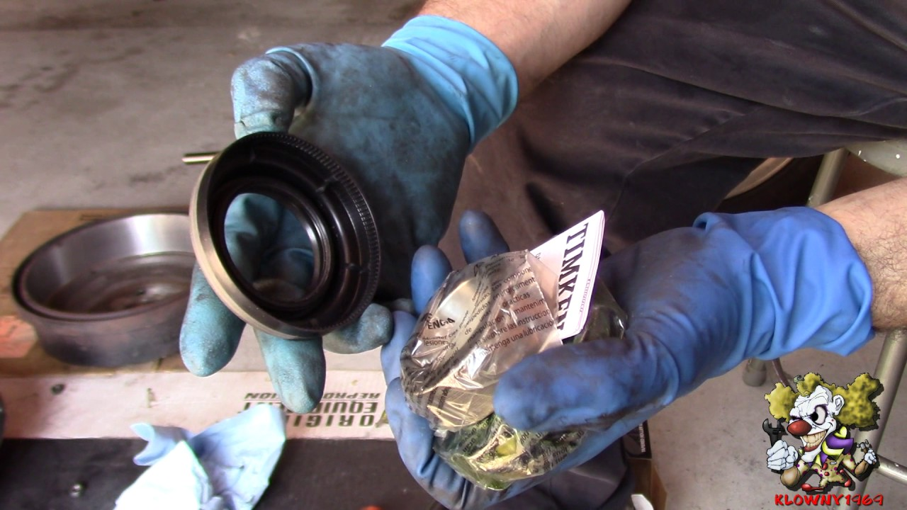hight resolution of how to replace rear axle seals and bearings ford 9 inch