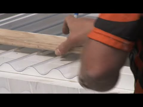 how-to-install-corrugated-polycarbonate-roofing-|-mitre-10-easy-as-diy
