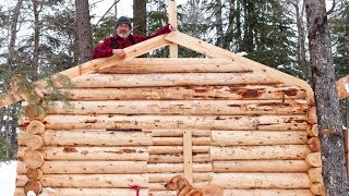 Build a Log Cabin Alone in the Frozen North with Hand Tools Cedar Sauna Build Ep 14