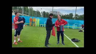 Денис Мацуев на тренировке Сборной России по футболу