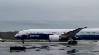 Boeing 787-10 Dreamliner takeoff
