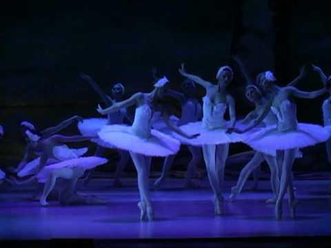 Tchaikovsky: Swan lake / Labutí jezero - Prague State Opera