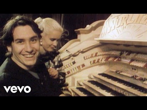 Jools Holland - Lambeth Walk (The Tube 1.2.1985)