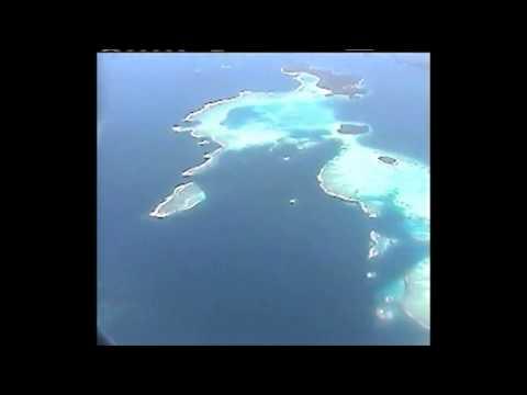 2004 07 Fly over Tonga