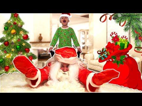 Дед Мороз 🎅 наступил на игрушки и УПАЛ! Что случилось дальше? Сказка для детей на Новый Год - Видео на ютубе