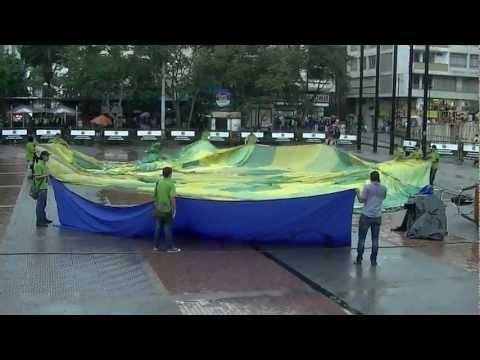 Balloon Exhibition Colombia, Bolivar Square Armenia, Colombia Quindio tourism 13.m2ts