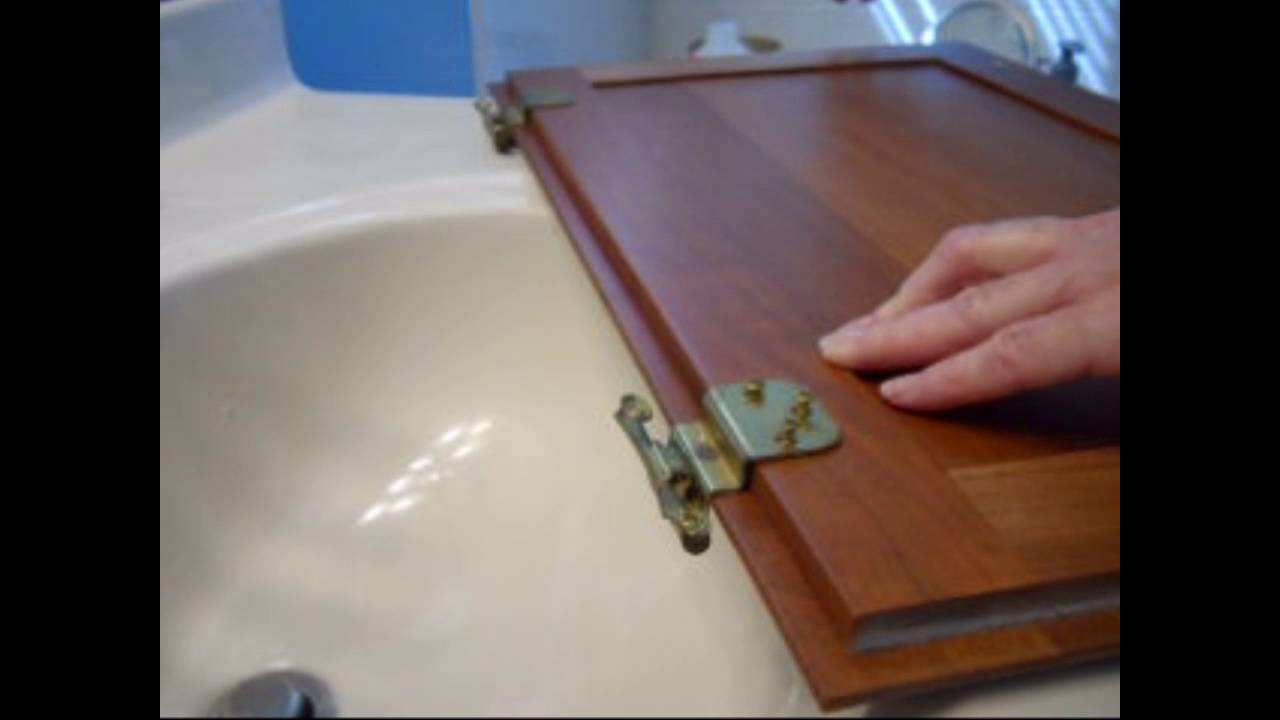 How to replace cabinet hinges - YouTube