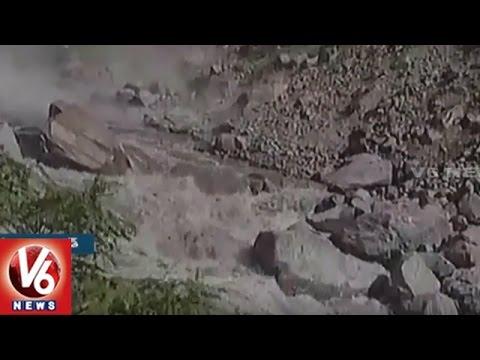 Huge Landslide In Uttarakhand || 15,000 Piligrims Stuck On Badrinath Route || V6 News