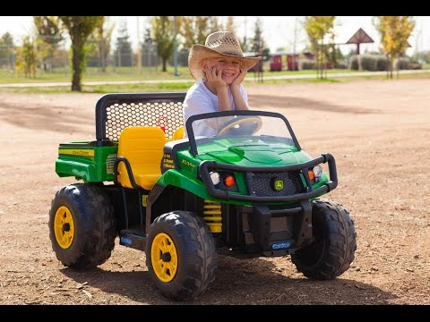 Peg Perego John Deere Gator - Unboxing and Riding!
